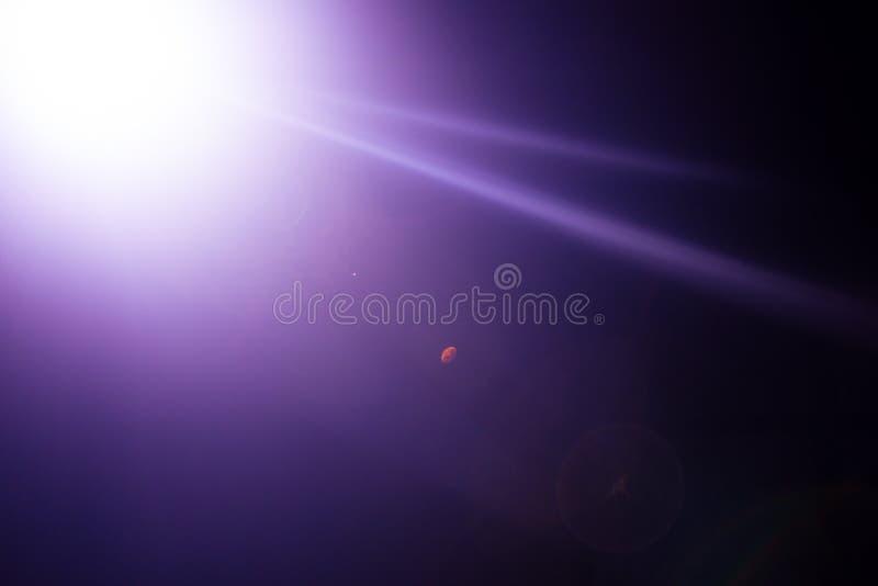 Λάμψη ενός απόμακρου αφηρημένου αστεριού Αφηρημένη φλόγα ήλιων Η φλόγα φακών υπόκειται στην ψηφιακή διόρθωση στοκ φωτογραφία με δικαίωμα ελεύθερης χρήσης