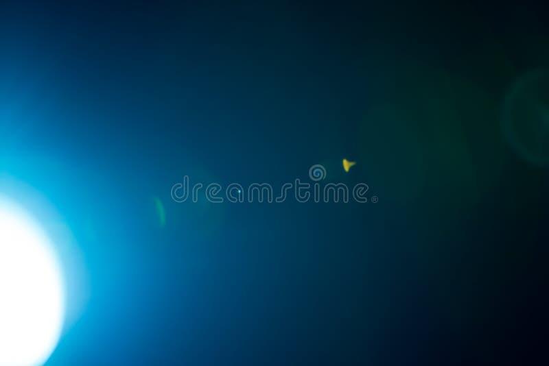 Λάμψη ενός απόμακρου αφηρημένου αστεριού Αφηρημένη φλόγα ήλιων Η φλόγα φακών υπόκειται στην ψηφιακή διόρθωση στοκ εικόνες