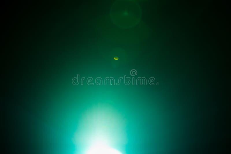 Λάμψη ενός απόμακρου αφηρημένου αστεριού Αφηρημένη φλόγα ήλιων Η φλόγα φακών υπόκειται στην ψηφιακή διόρθωση στοκ φωτογραφία