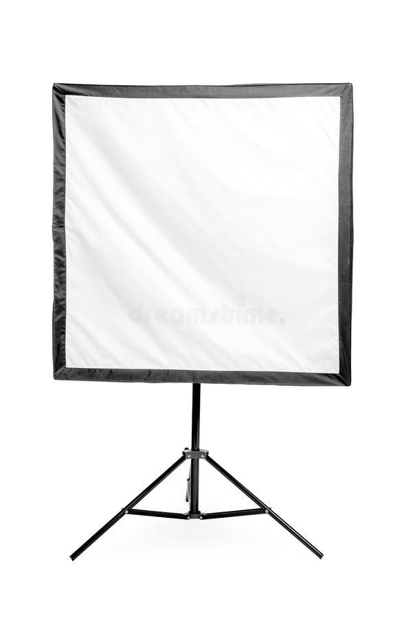 λάμψη στούντιο με ένα τετραγωνικό softbox στο ράφι σε ένα λευκό στοκ φωτογραφίες με δικαίωμα ελεύθερης χρήσης