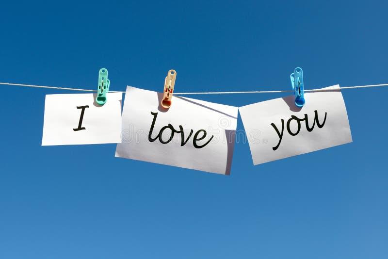 Λέξεις σ' αγαπώ στη Λευκή Βίβλο και ένωση στο σκοινί στοκ εικόνες με δικαίωμα ελεύθερης χρήσης
