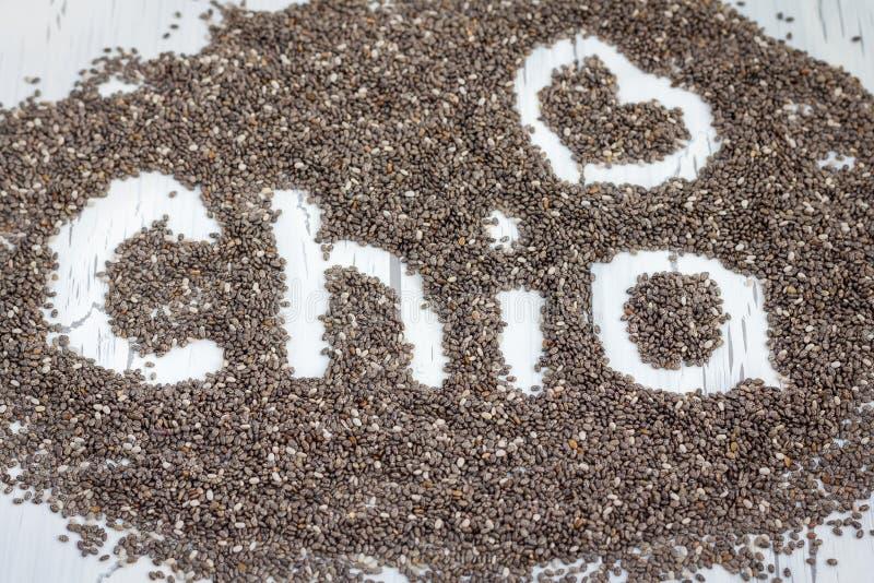 Λέξη που γίνεται από τους σπόρους chia στοκ φωτογραφία