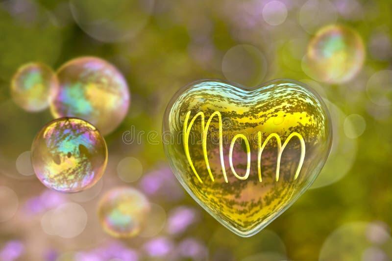 Λέξη Mom που γράφεται σε μια φυσαλίδα σαπουνιών με μορφή της καρδιάς στοκ εικόνα