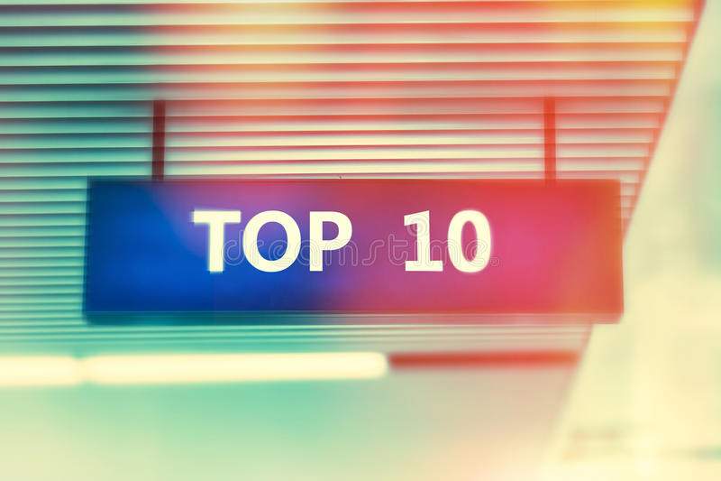 Λέξη TOP 10 στη διαφήμιση του πίνακα με τα λαμπρά φωτεινά χρώματα στοκ εικόνες με δικαίωμα ελεύθερης χρήσης