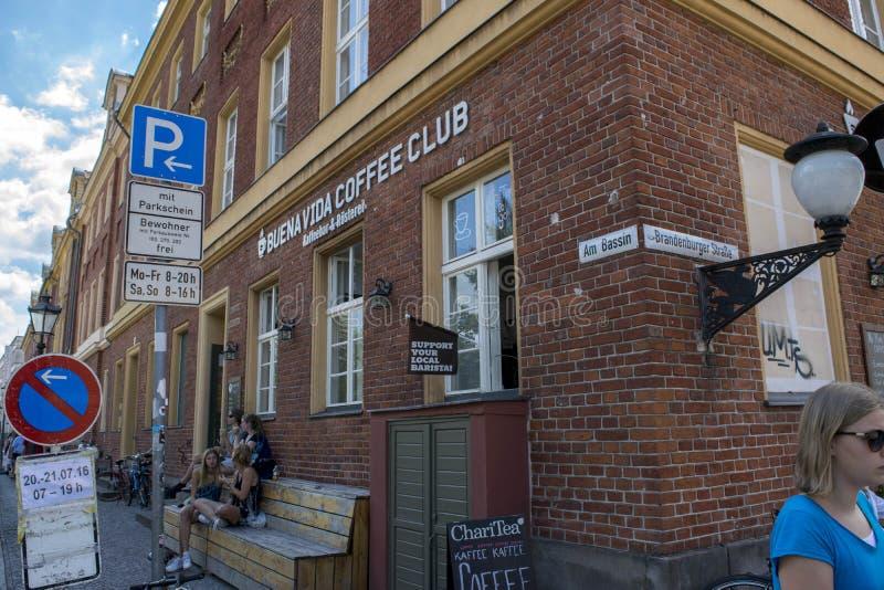 Λέσχη καφέ στη γωνία του Πότσνταμ στοκ εικόνες με δικαίωμα ελεύθερης χρήσης