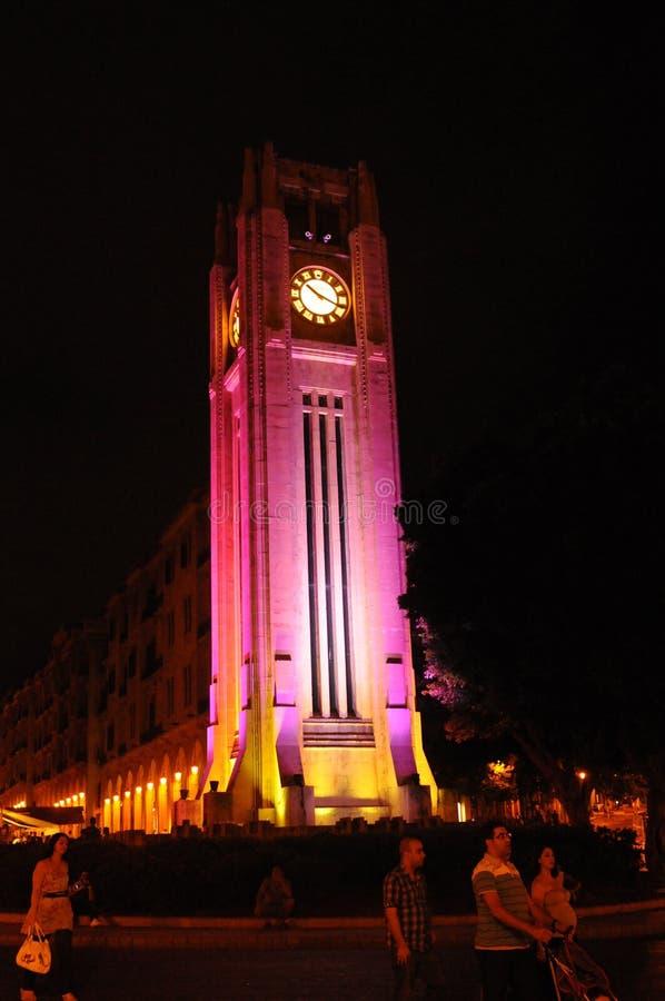 Λίβανος: Ο φωτισμένος πύργος ρολογιών στην πλατεία Beiruts Nemjeh στοκ εικόνες