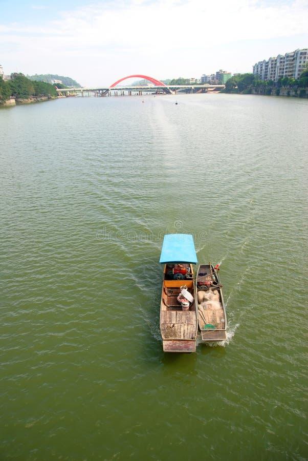 Λίγη βάρκα ψαριών στοκ εικόνες