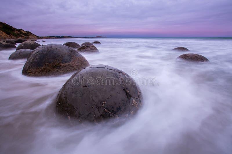 Λίθοι Moeraki, νότιο νησί Νέα Ζηλανδία στοκ φωτογραφία με δικαίωμα ελεύθερης χρήσης