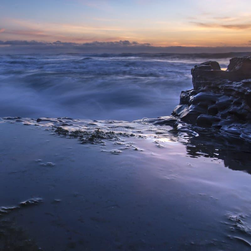 Λίμνες παλίρροιας στον ωκεανό στο ηλιοβασίλεμα στο Σαν Ντιέγκο στοκ φωτογραφίες με δικαίωμα ελεύθερης χρήσης