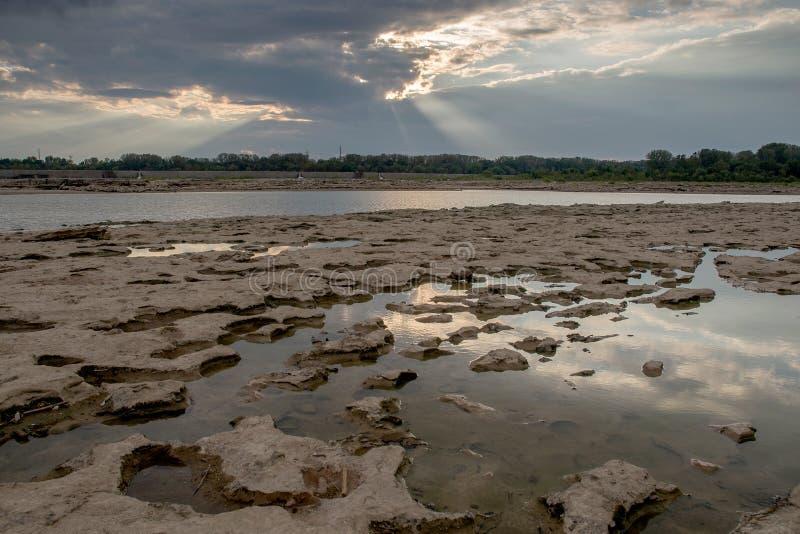 Λίμνες παλίρροιας και ακτίνες Θεών στοκ εικόνες με δικαίωμα ελεύθερης χρήσης