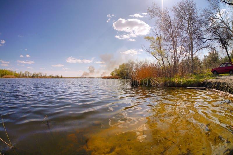 Λίμνη άνοιξη στοκ εικόνα