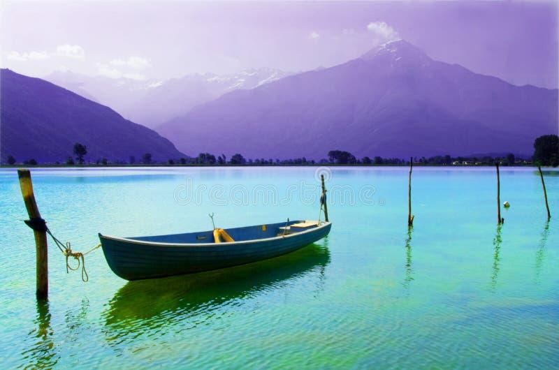 λίμνη βαρκών που δένεται στοκ φωτογραφία με δικαίωμα ελεύθερης χρήσης