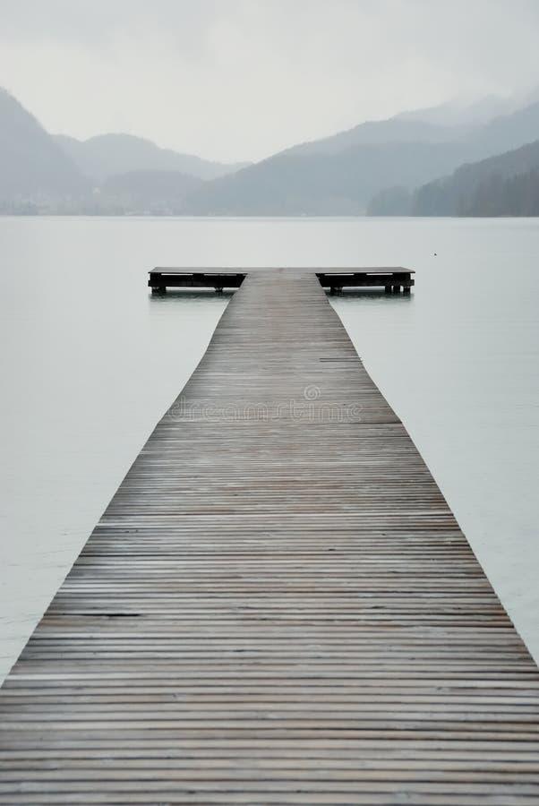 λίμνη γεφυρών για πεζούς στοκ φωτογραφίες με δικαίωμα ελεύθερης χρήσης