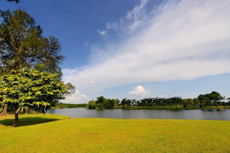 λίμνη κήπων στοκ εικόνα με δικαίωμα ελεύθερης χρήσης