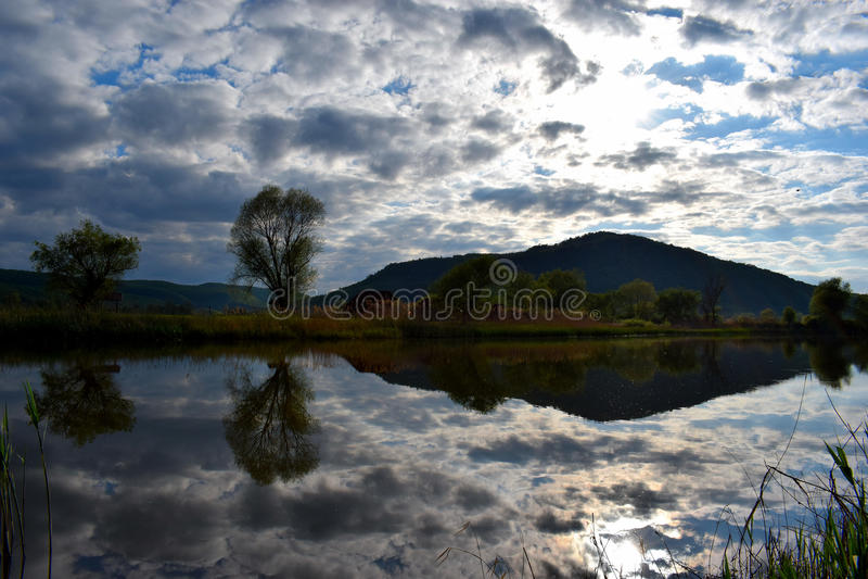Λίμνη καθρεφτών στοκ εικόνα