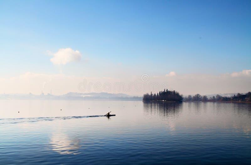 λίμνη κανό στοκ φωτογραφία