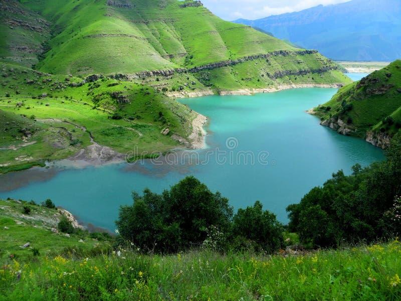 Λίμνη κατάπληξης νεράιδων κάπου στην κοιλάδα στοκ φωτογραφία με δικαίωμα ελεύθερης χρήσης
