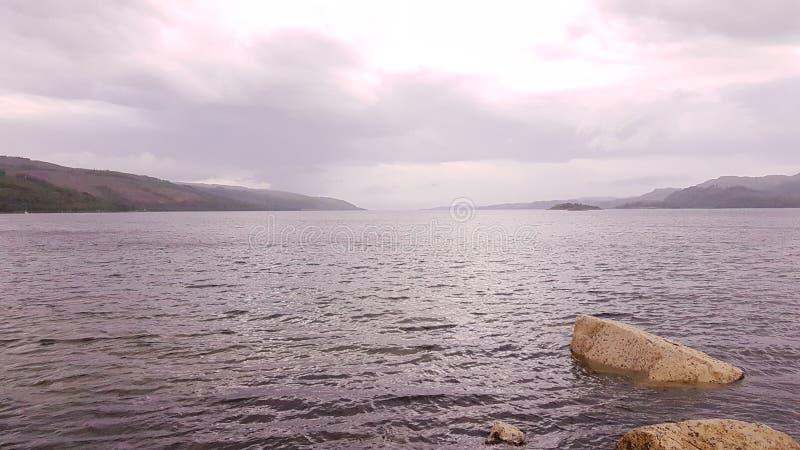 Λίμνη μακριά στοκ φωτογραφία με δικαίωμα ελεύθερης χρήσης