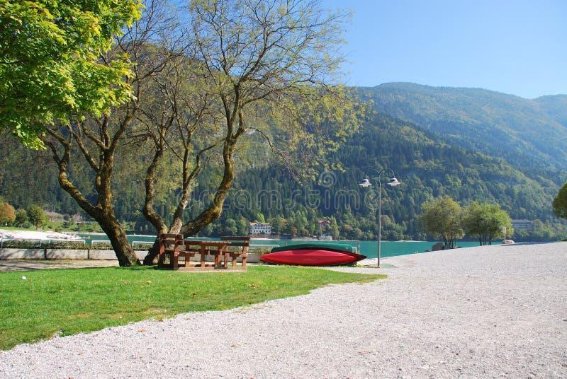 Λίμνη ορών στην Ιταλία στοκ φωτογραφίες με δικαίωμα ελεύθερης χρήσης