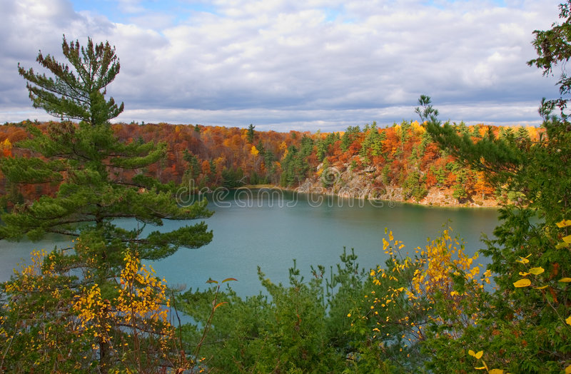 λίμνη ρόδινο Κεμπέκ στοκ εικόνες