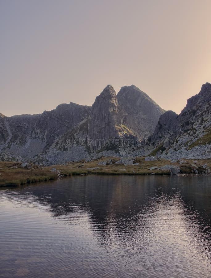 Λίμνη σε Retezat, ρουμανικά Carpathians στοκ φωτογραφίες με δικαίωμα ελεύθερης χρήσης