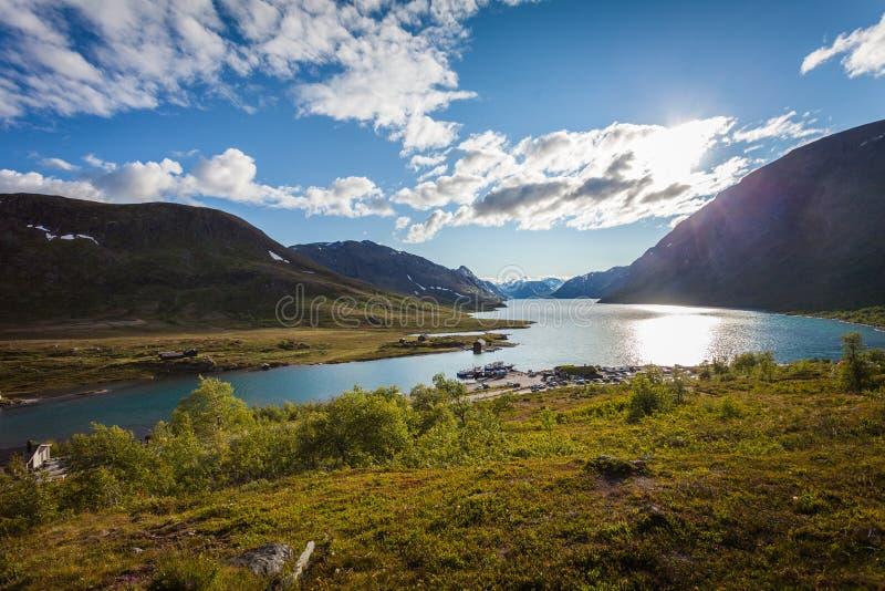 λίμνη σπιτιών στοκ φωτογραφία με δικαίωμα ελεύθερης χρήσης