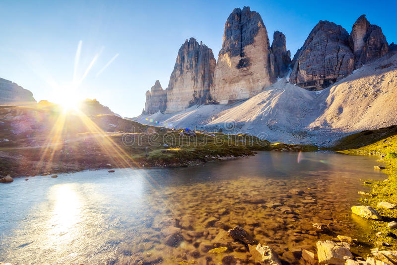 Λίμνη στα βουνά στοκ εικόνα