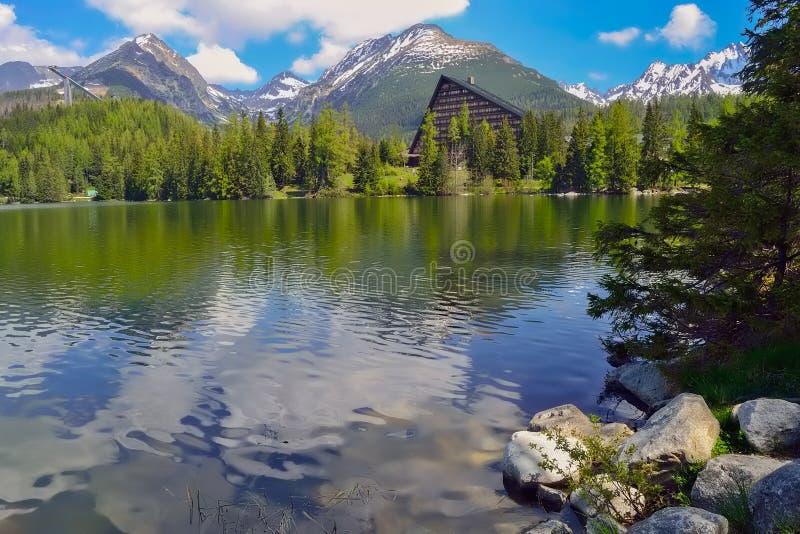 Λίμνη στα βουνά Tatra στοκ φωτογραφία με δικαίωμα ελεύθερης χρήσης