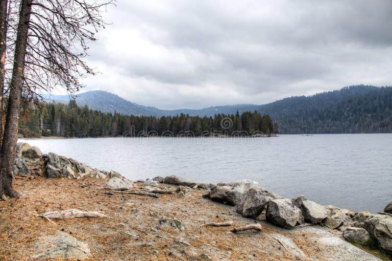 Λίμνη στην οροσειρά Νεβάδα στοκ εικόνα με δικαίωμα ελεύθερης χρήσης