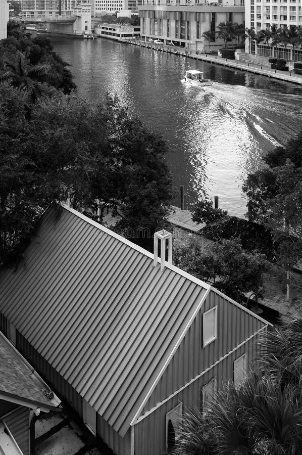 Λίμνη στο στο κέντρο της πόλης Μαϊάμι στοκ φωτογραφίες με δικαίωμα ελεύθερης χρήσης