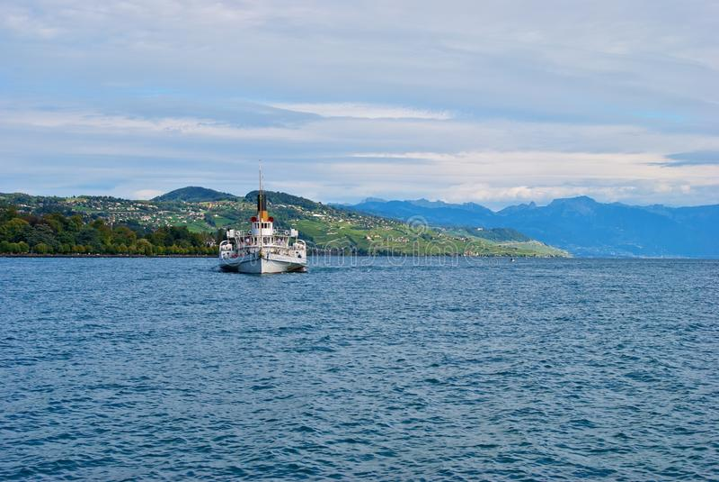 λίμνη της Γενεύης βαρκών στοκ φωτογραφίες