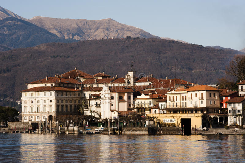 λίμνη της Ιταλίας isola bella maggiore στοκ εικόνες