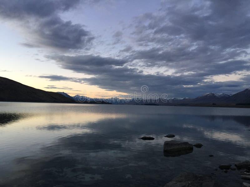 Λίμνη της Νέας Ζηλανδίας σύννεφων ουρανού στοκ εικόνες