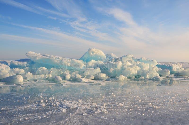 Λίμνη της Ρωσίας, Baikal, πάγος hummocks στοκ φωτογραφία με δικαίωμα ελεύθερης χρήσης
