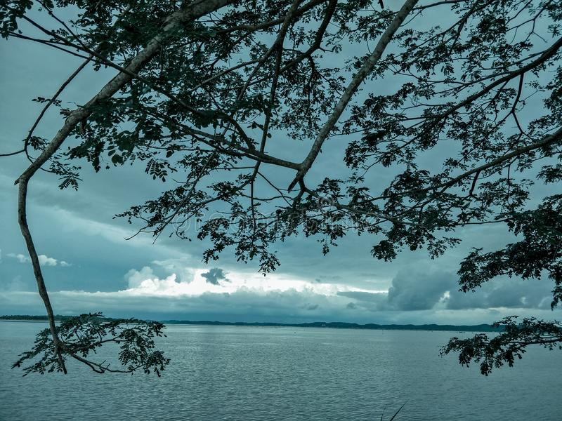 Λίμνη το βράδυ στοκ φωτογραφίες