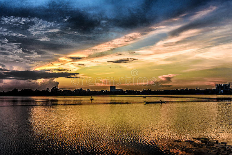 Λίμνη το Μιανμάρ Inya στοκ εικόνες