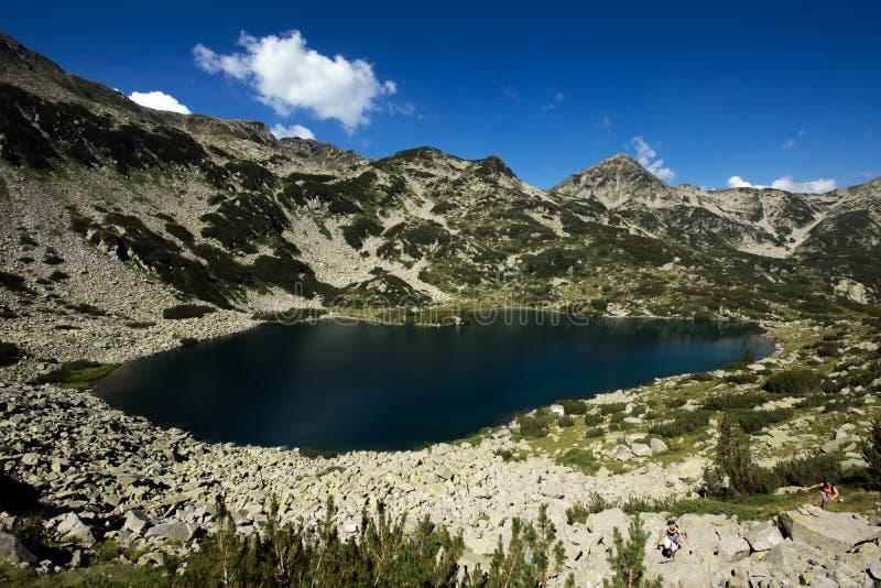 Λίμνη ψαριών Banderishko, βουνό Pirin στοκ εικόνες