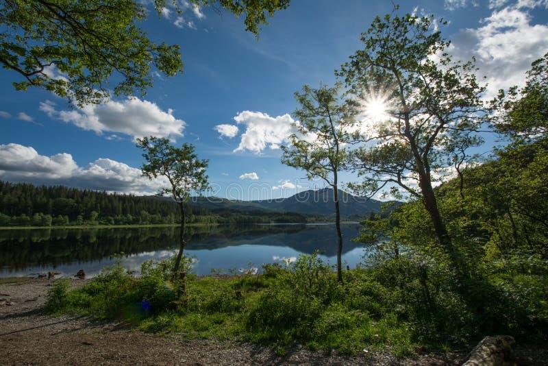 Download Λίμνη Achray στοκ εικόνα. εικόνα από βουνά, λίμνη, σκωτία - 62705987