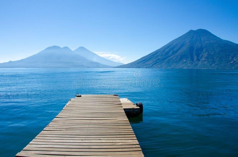 Λίμνη Atitlan Γουατεμάλα - αποβάθρα στοκ εικόνες