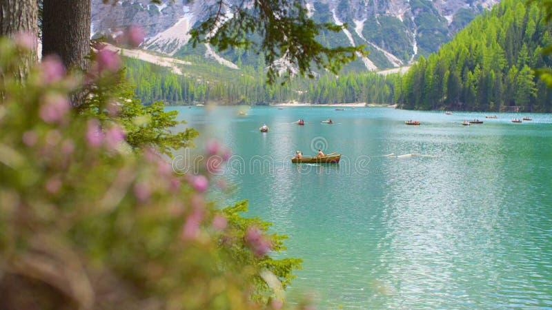 Λίμνη Braies στα βουνά δολομιτών στοκ φωτογραφία με δικαίωμα ελεύθερης χρήσης