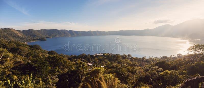 Λίμνη Coatepeque στο Σαλβαδόρ στοκ φωτογραφίες
