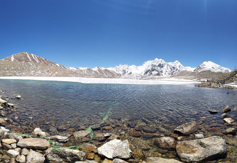 Λίμνη Gurudongmar που βρίσκεται στα πόδια 1700 στο Sikkim στοκ εικόνα με δικαίωμα ελεύθερης χρήσης