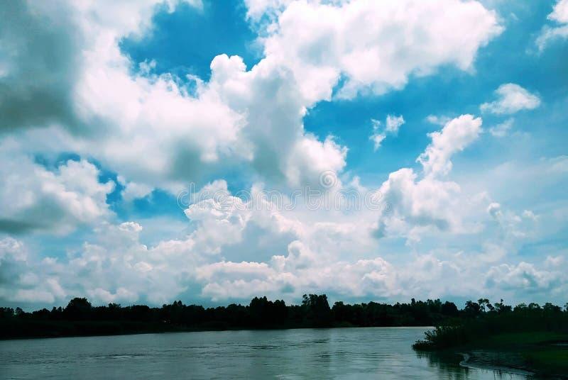 Λίμνη Lomond σε Rowardennan, καλοκαίρι σε Tangail, Μπανγκλαντές στοκ φωτογραφία