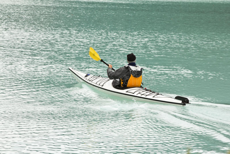 λίμνη Louis κωπηλασίας σε κανό &t στοκ εικόνες