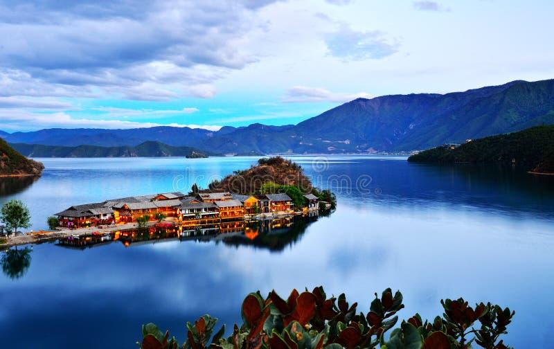 Λίμνη Lugu στοκ φωτογραφία