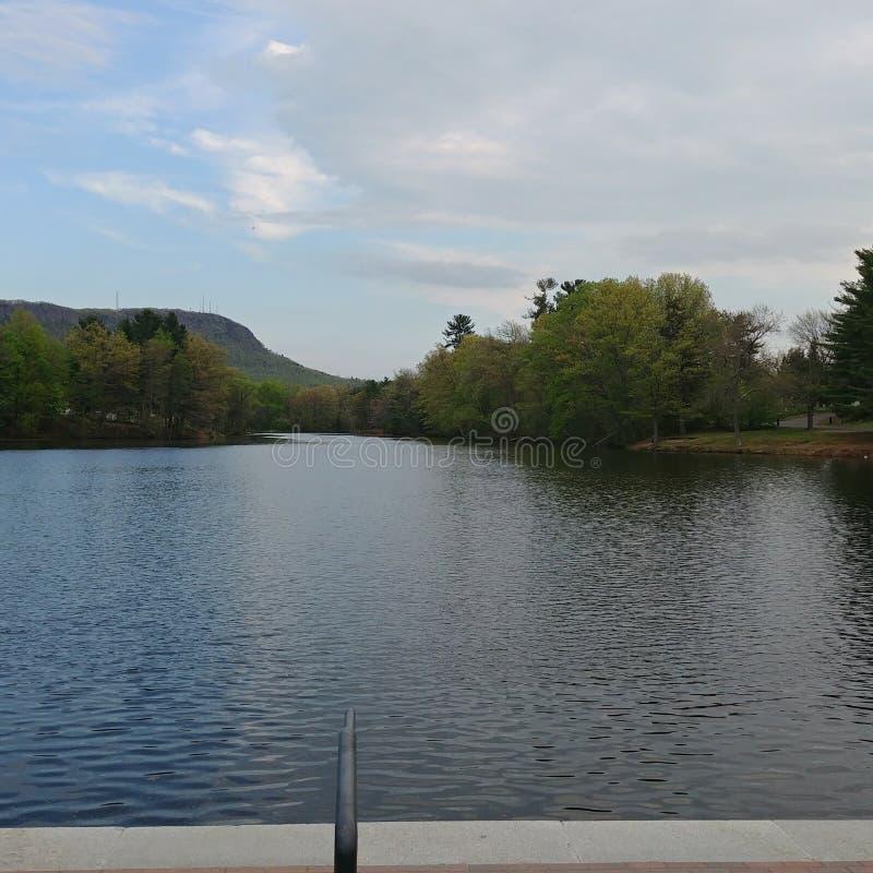 Λίμνη Nashawannuck και ΑΜ tom στοκ εικόνες με δικαίωμα ελεύθερης χρήσης