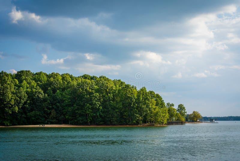Λίμνη Norman, στο πάρκο μαρκών, στο Cornelius, βόρεια Καρολίνα στοκ εικόνες