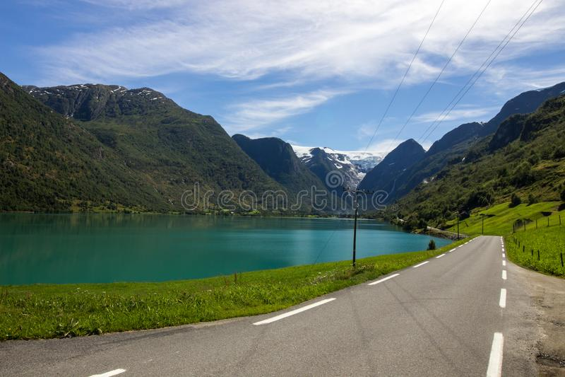 Λίμνη Oldenvatnet στη Νορβηγία στην Ευρώπη στοκ εικόνες με δικαίωμα ελεύθερης χρήσης