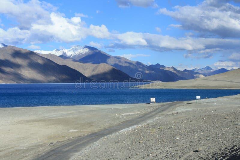 Λίμνη Pangong στο ladakh στοκ εικόνες