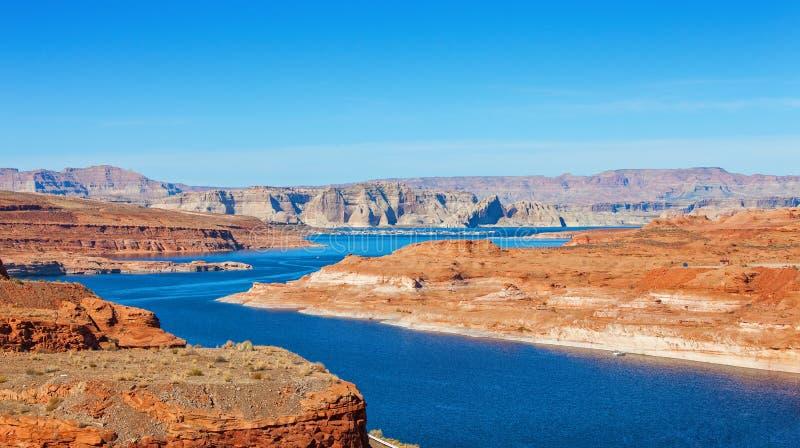 Λίμνη Powell στα σύνορα μεταξύ της Γιούτα και της Αριζόνα, Ηνωμένες Πολιτείες στοκ φωτογραφία